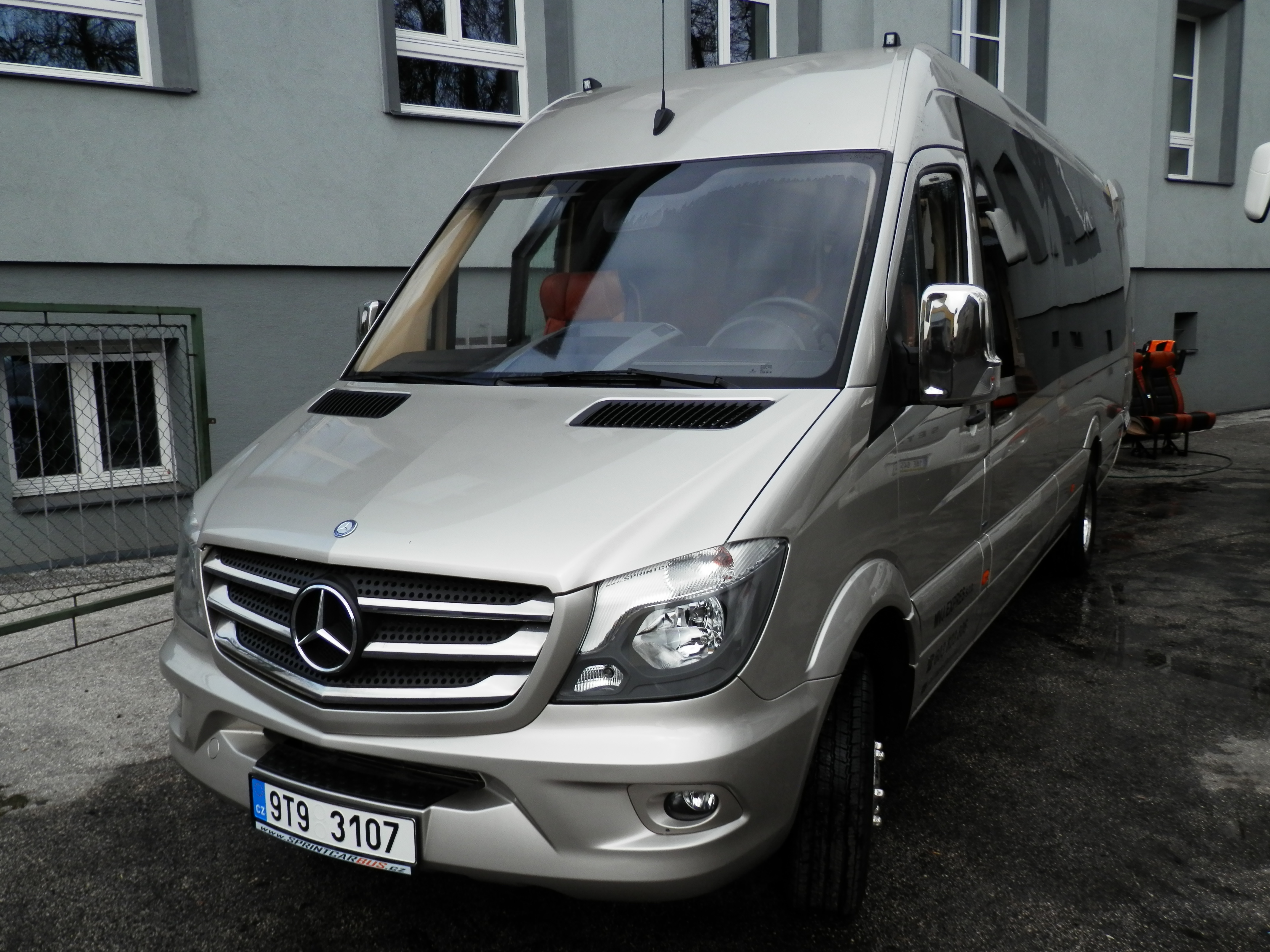 MERCEDES-BENZ Sprinter 519 CDI.JPG